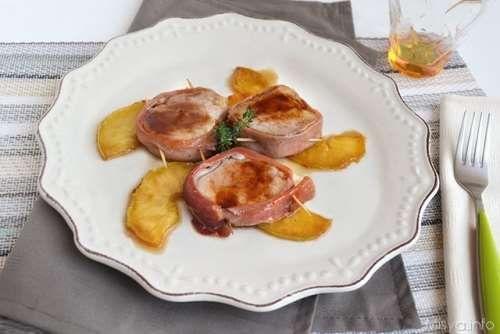 Secondi piatti di carne ricette Filetto di maiale con prosciutto e mele