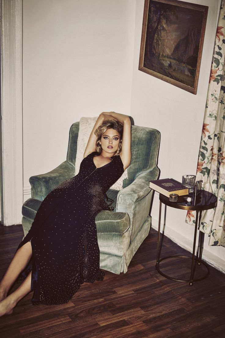 martha-hunt-by-guy-aroch-for-so-it-goes-magazine-fall-winter-2015-8