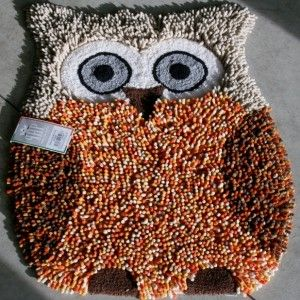Tappeto bagno sagomato a forma di Gufo. il tappeto è in ciniglia di ...