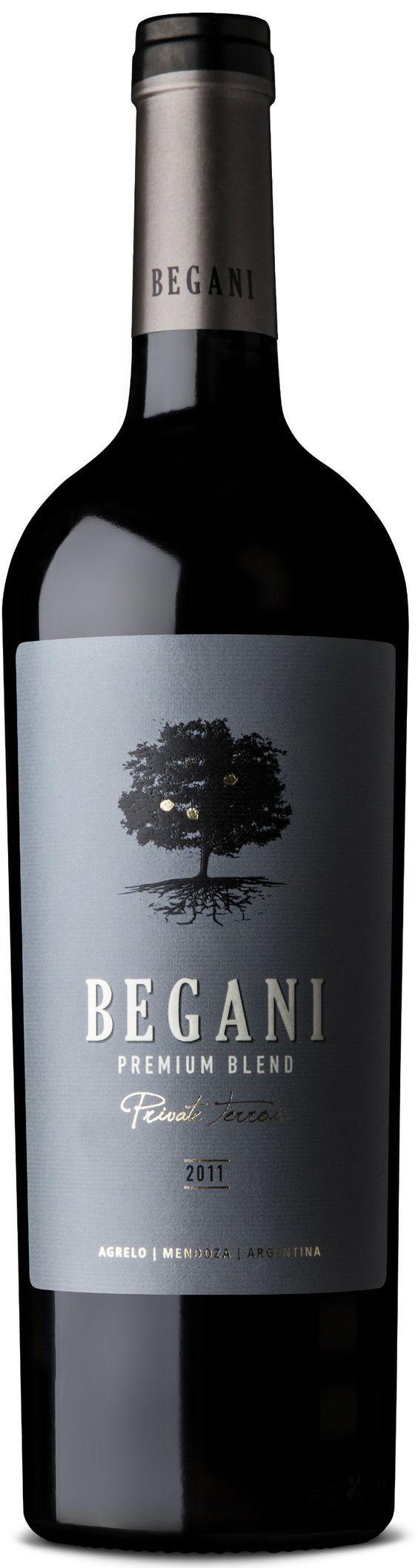 """""""Begani Premium Blend"""" 55% Malbec /20 % Bonarda / 15% Cabernet Sauvignon /10% Cabernet Franc 2011 - Bodega Lamadrid, Luján de Cuyo, Mendoza--------------------Terroir: Agrelo------------------------- Crianza: 12 meses en barricas de roble francés de primer uso (60%) y segundo uso (40%)"""