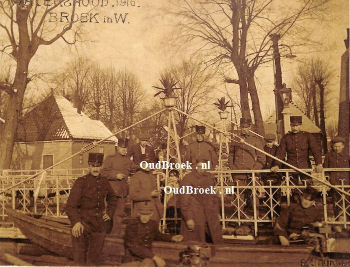 4969: Watersnood van 1916, Broek in Waterland