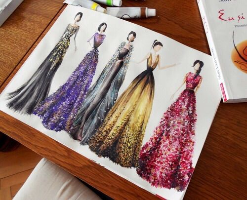 Image via We Heart It https://weheartit.com/entry/169311394 #art #beauty #clothes #drawings #draws #dress #fashion #model #modern #style #woman