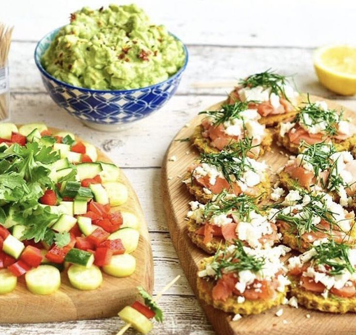 These snacks particularly support cardiovascular health. Avocados are high in phytosterols that aid in reducing cholesterol and vitamin E that can protect against LDL cholesterol oxidation. Salmon is packed with omega 3 helping maintain healthy cholesterol levels and protecting blood vessels from persistent inflammatory damage. ❤️