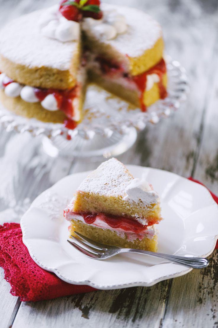Garantisco io: un dolce buonissimo, per celiaci e vegani è realtà! Mettimi alla prova a assaggia la mia Victoria cake vegana senza glutine!