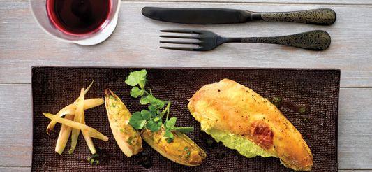 Delhaize - Gevulde kip met kruidenboter onder het vel en gevuld witloof