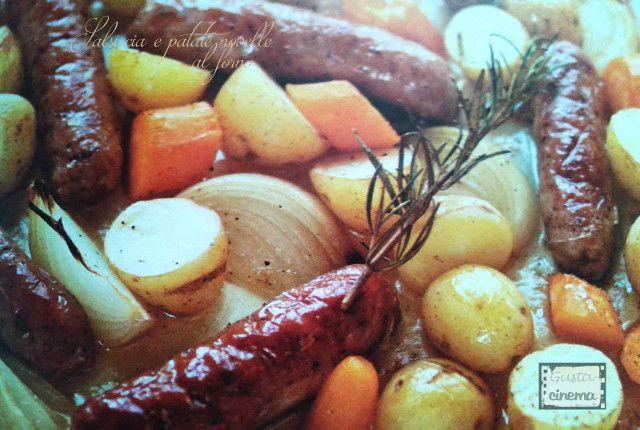 Salsiccia al forno con patate novelle è un classico secondo piatto che riscuote sempre molto successo. Semplice e veloce da preparare.