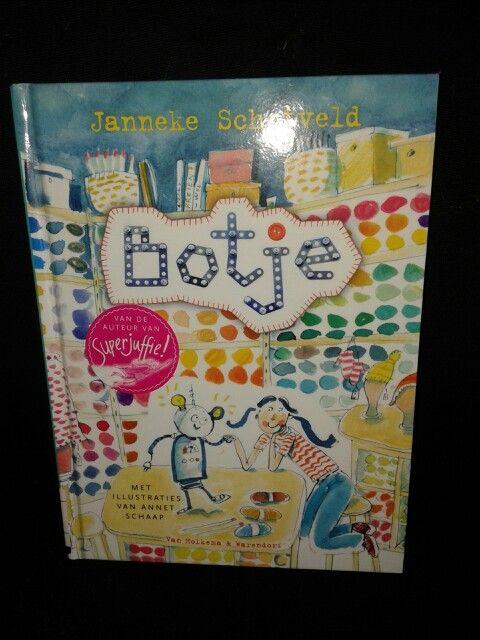 Een heel grappig boek voor kinderen van 6-9 jaar.  Alle ingrediënten zijn aanwezig: een rare, maar lieve vader,  een wat verlegen meisje,  die een levende robot krijgt,  een leuk vriendje, en professor en de schurk 6/53
