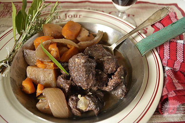 Bourguignon de joues de boeuf cuit à la mijoteuse à 90°c, toute la nuit sur kaderickenkuizinn.com
