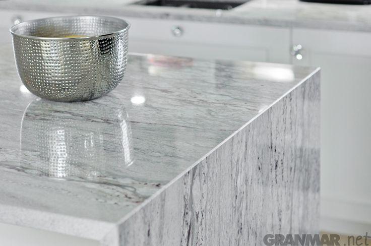 Wyspa kuchenna z granitu Glacier White #kuchnia #granit