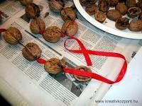 Karácsonyi pályázat - Dió girland - Készülőben