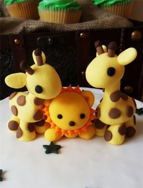 girafe en p 226 te d amande modelage en volume jungles giraffes and