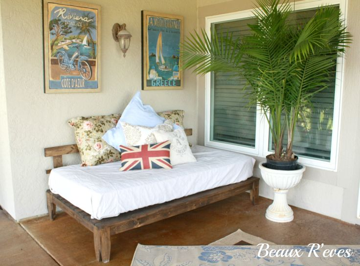 Beaux R'eves: Outdoor Daybed