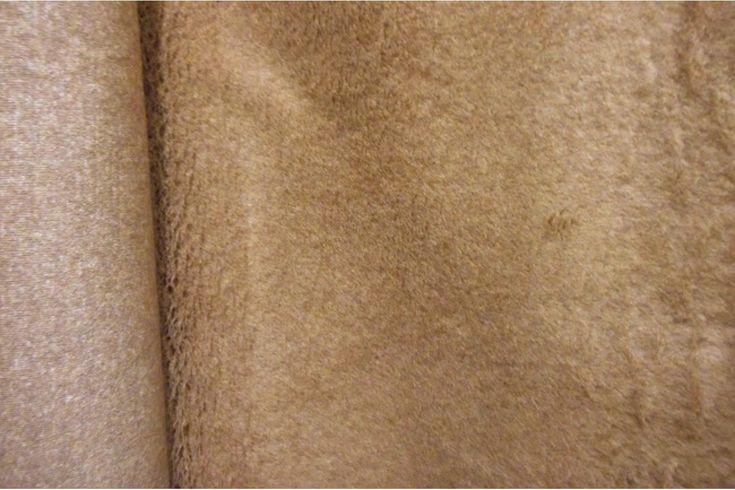 Tejido de pelo camel de carnaval con caída, suave y agradable. Disponible en varios colores. Ideal para disfraces de gorila, conejo, perro o para confección de cuellos..#pelo #corto #colores #caído #suave #agradable #confección #cuellos #mangas #disfraces #carnaval #oso #perro #conejo #tela #telas #tejido #tejidos #textil #telasseñora #telasniños #comprar #online #comprartelas #compraronline