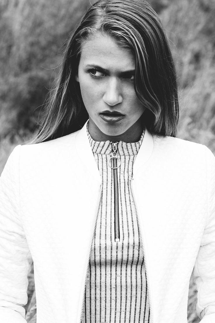 This Heart of Mine is made to Travel | photography Alexandra Huijgens | Model Nica Zomerdijk | editorial | fashion | magazine