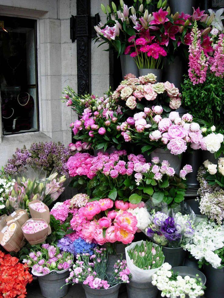 Liberty´s Flowershop, London..♔..
