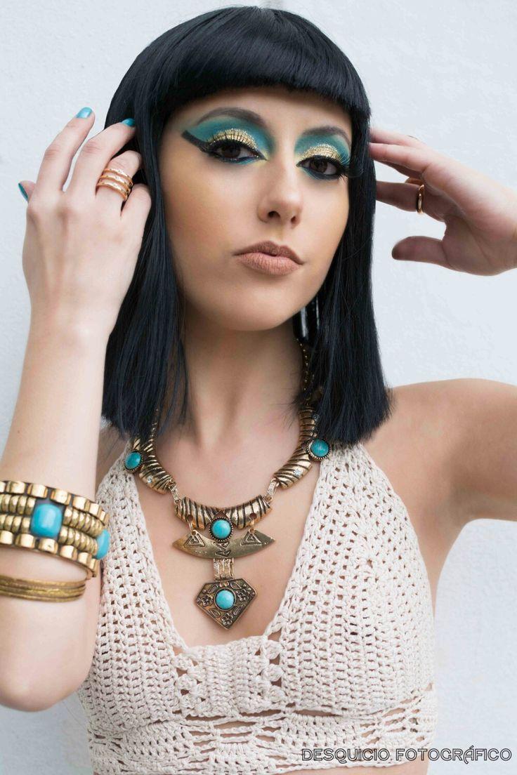 Producción general: Florencia Ioselli Fotografia: Antto Santoro Urquijo Modelo: Flor de la Fuente Make up: Lucas Daniel  #egyptian #moda #fashion #makeup #eyesmakeup #produccion #production #mode #photograpy #outfit #fashion #egipto #inspiration #inspiracion