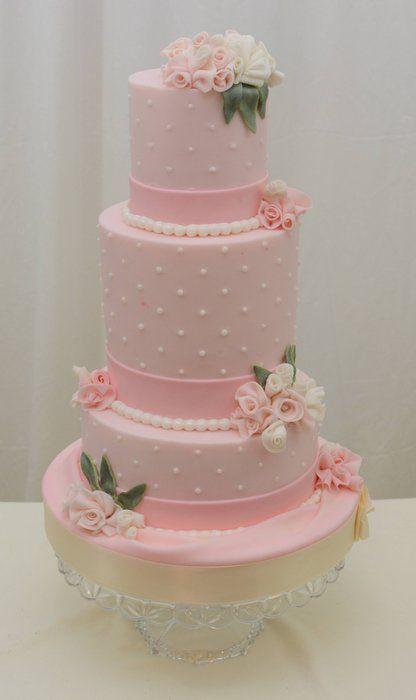 Torta de boda de color rosa, preciosa. #BodasConRosa