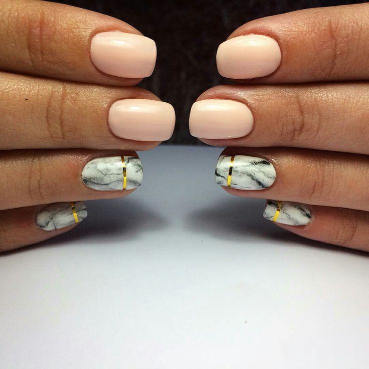 Ногти мрамор