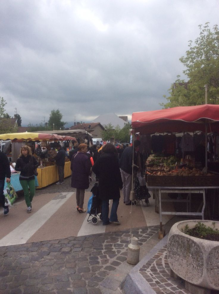 It was a cold and cloudy day in France, but I had a great time at the Sunday market!