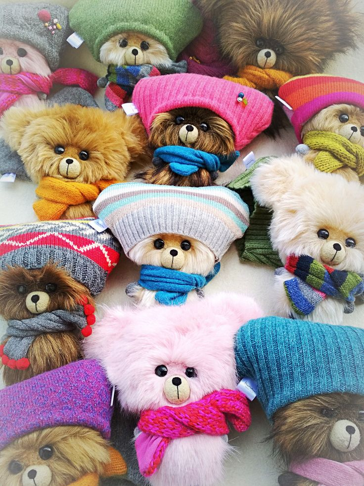 Express love, kindness, care and friendship with these cute big-headed teddy bears. Many colors and clothing styles.