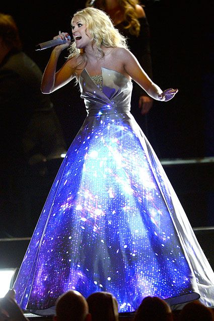 Carrie Underwood Lights Up Grammy Stage Theia Carrie