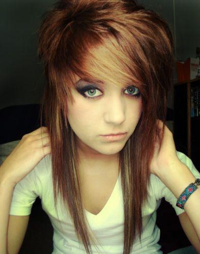 medium-emo-hairstyle-for-girls-13