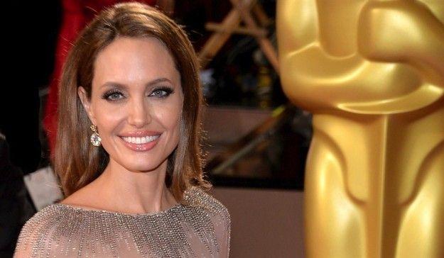 angelina jolie smokey eye   Migliori beauty look agli Oscar 2014 (Foto)