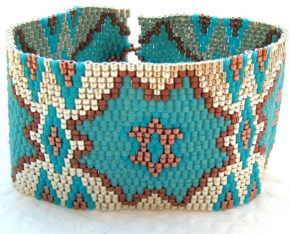 Love the colors and pattern of this beaded bracelet