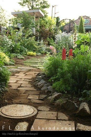 フローラのガーデニング・園芸作業日記-小道のペイビング作業