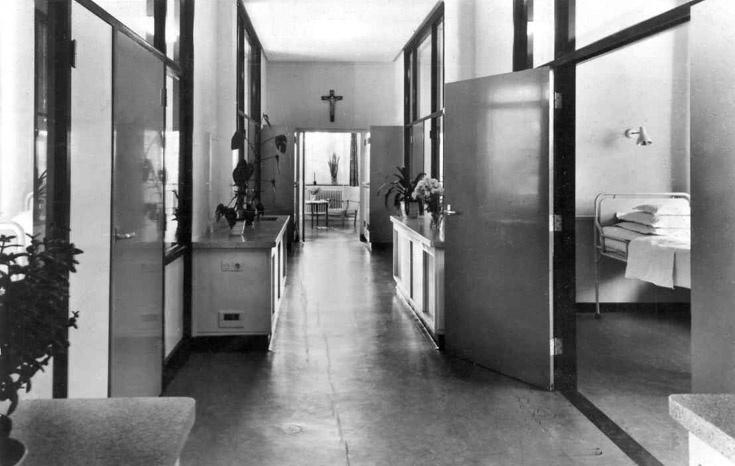 St.Joseph-ziekenhuis 1966, afdeling 10. Dit was de gang op afdeling 10.