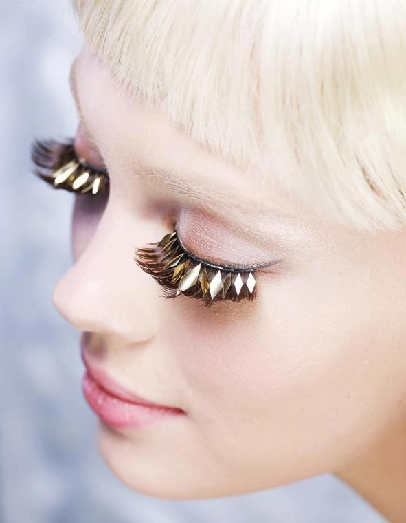 Gold lashes // Edyta Zajac by Agata Jakubowska for Wysokie Obcasy Extra #beauty