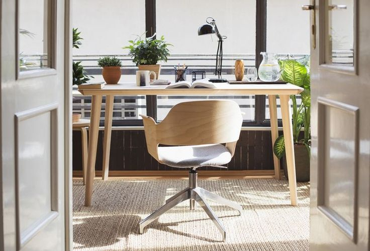 Here's How To Feng Shui Your Desk