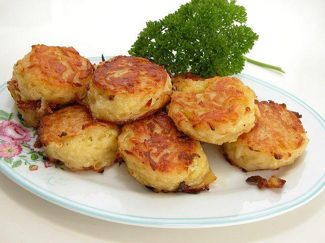 <p>Kartoffelrösti er nemme at lave selv og smager 1000 gange bedre end dem…