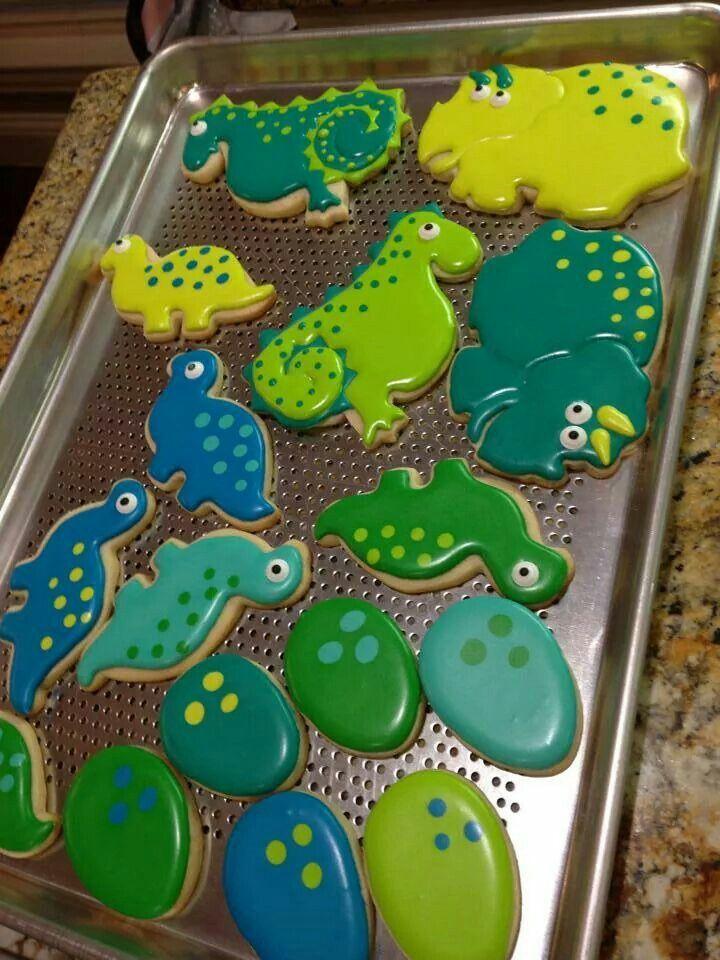 Dino saurs by Ginny McCormick-Levack,  the creativecookier.com