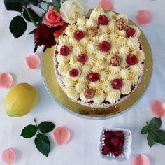 Ah c'est Fantastik, une vrai légende!!!! Entre la tarte et l'entremet, une simplicité élégante, une somptueuse beauté, qui donnent l'eau à...