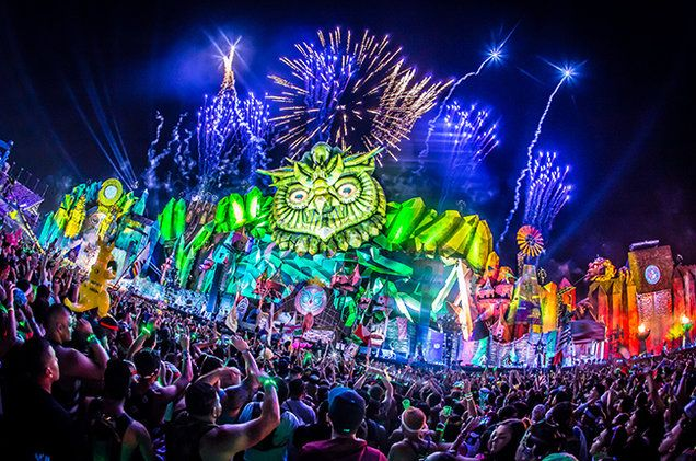 EDC Las Vegas 2016 Lineup Revealed: Kaskade, DJ Snake, The Chainsmokers & More      Lisa Brown   Lisa Brown