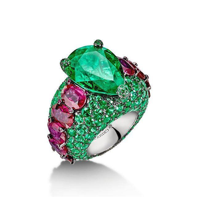 A beautiful creation of emeralds and rubies #Craftsmanship #deGRISOGONO