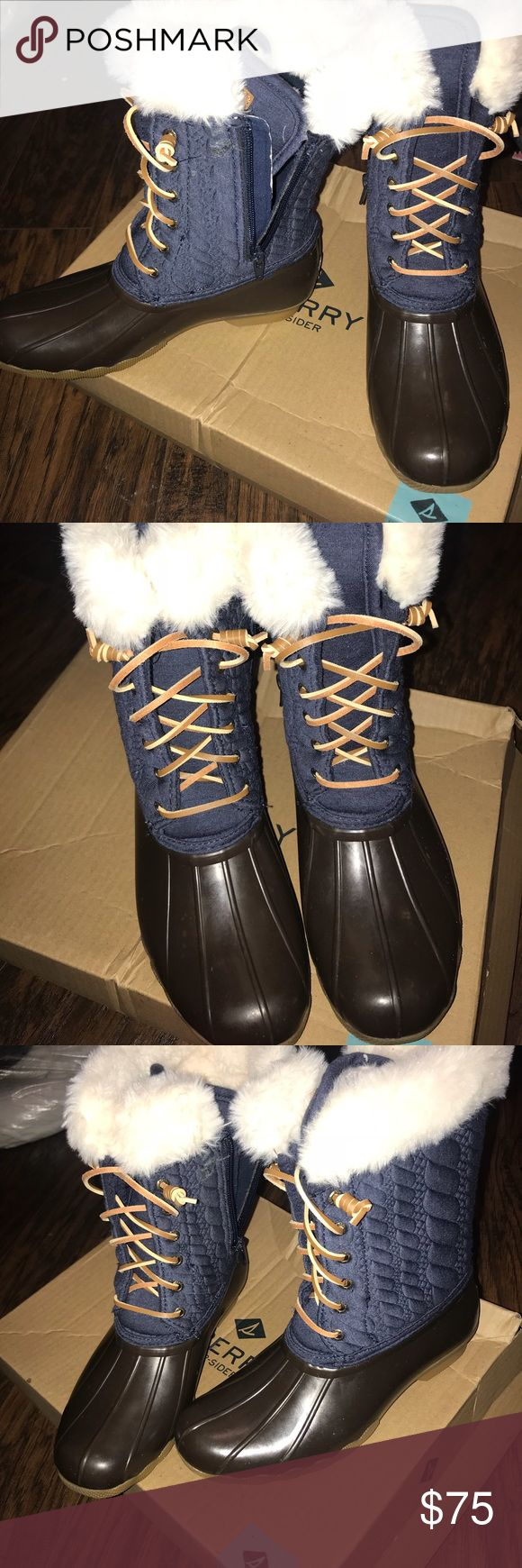 SPERRY SNOW BOOTS Brown & Denim sperry snow boots w/ beige fur Sperry Top-Sider Shoes Winter & Rain Boots
