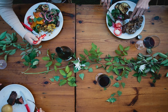 wild garland // PHOTO BY LUISA BRIMBLE: Dinners Plates, Australian Dinners, Journals, Garlands Tables, Dinners Tables, Kinfolk Magazines, Dinners Parties, Branches, Green Garlands