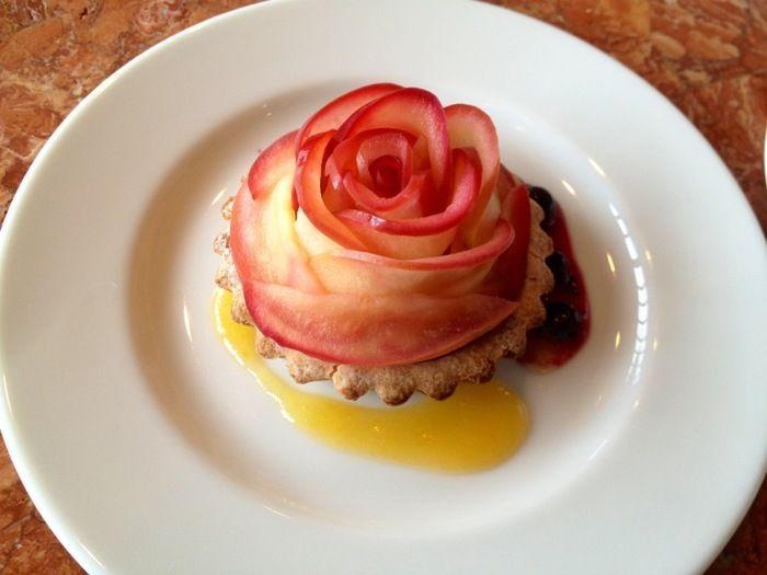 食べるのがもったいない!りんごで作る美しい「薔薇のタルト」