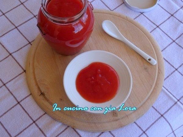 Ketchup+fatto+in+casa+con+pomodoro+fresco