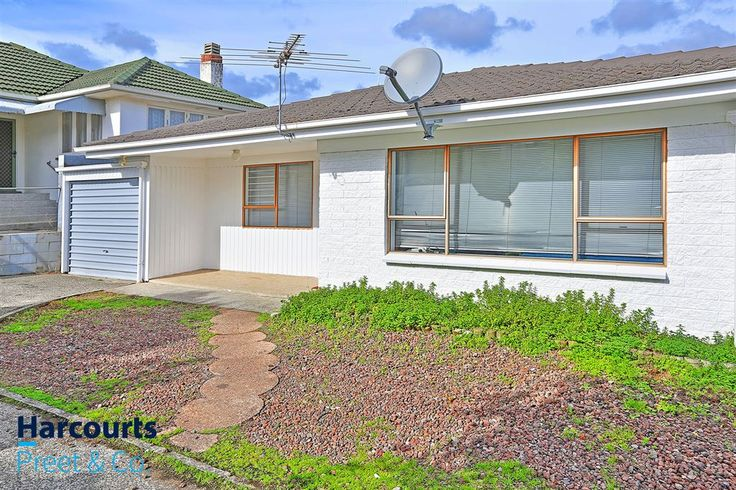 #JustListed #Auction #2June2016 #ToBeSold #Manurewa #Unit #2BedRoom #ChurchillAvenue #SouthAuckland #Manukau #RealEstate #AjayGulati #Harcourts #ListwithMe #2BSold #4Sale #aj2SellHome #AjayGHarcourts #GUL4T1 #MustSell  http://ajaygulati.harcourts.co.nz/Property/768422/MKU8696/16b-Churchill-Ave