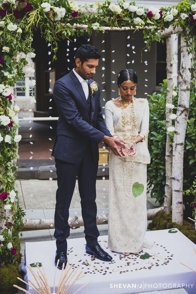 3aab3f6e8b50cebbd031a7072aabc30c Jpg 640 960 Pixel Buddhist Wedding Srilankan Wedding Outdoor Wedding