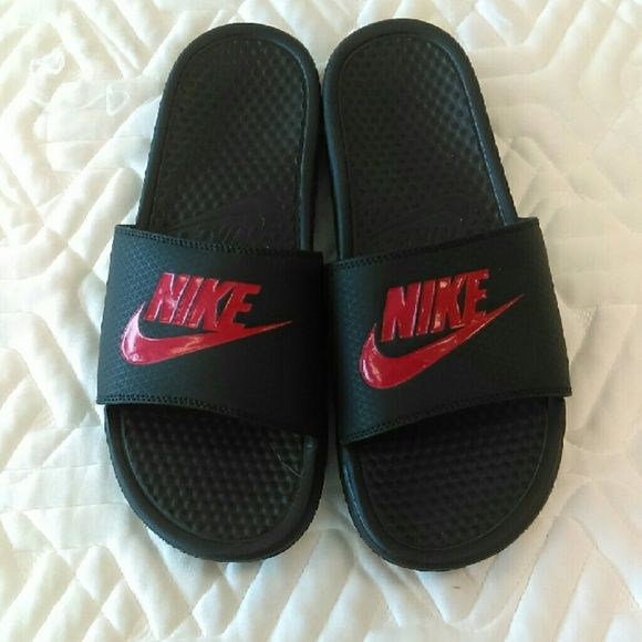 FINAL PRICE LIKE NEW Nike Slippers Size 10 For Men Nice new condition Nike sandals for men. Nike Shoes Slippers