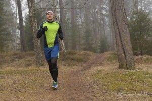 Running clothes NoName for Marathon Naturephoto foggy day