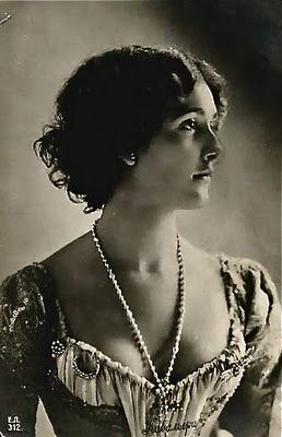 Sanctuaries, Dreams and Shadows: Lina Cavalieri - le Belle Epoque beauty and Italian Opera Star