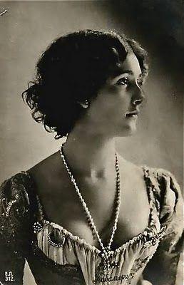 Lina Cavalieri.