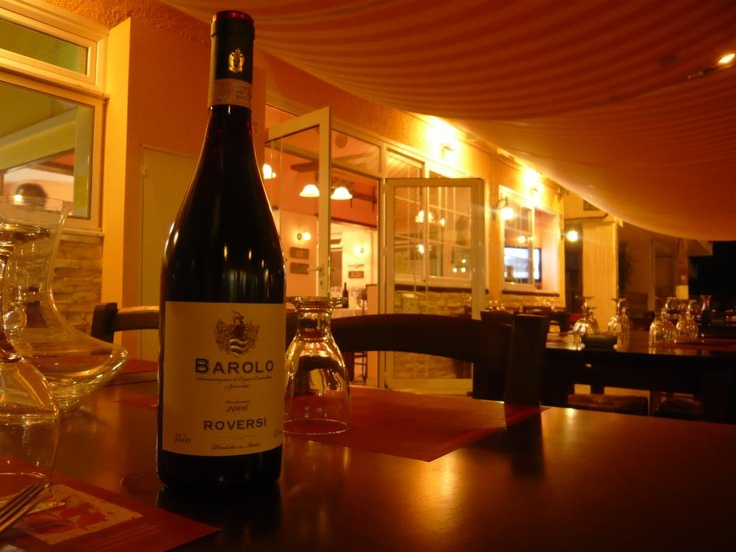 Taverna Italiana ~   Taverna with italian food and wine in the city of Volos