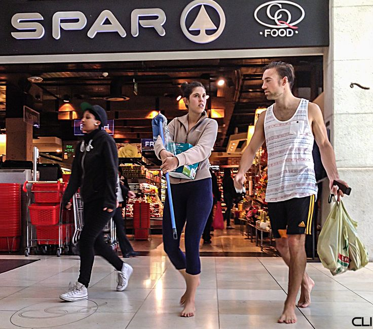 Barefoot Shoppers Barefoot In The City Pinterest