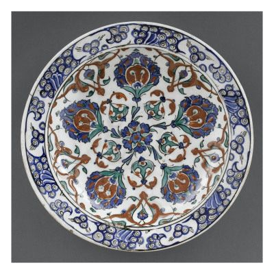 Grand plat aux 5 fleurons - Musée national de la Renaissance (Ecouen)